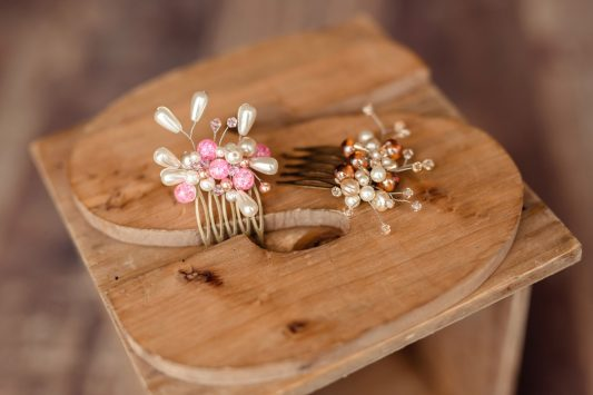 Украшения-крошки для миниатюрных невест